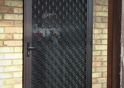 Security flyscreen doors3